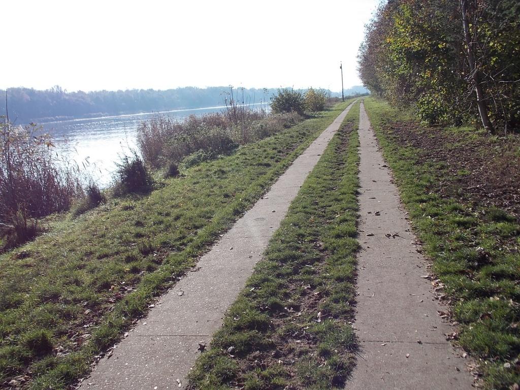 Weg am Kanal