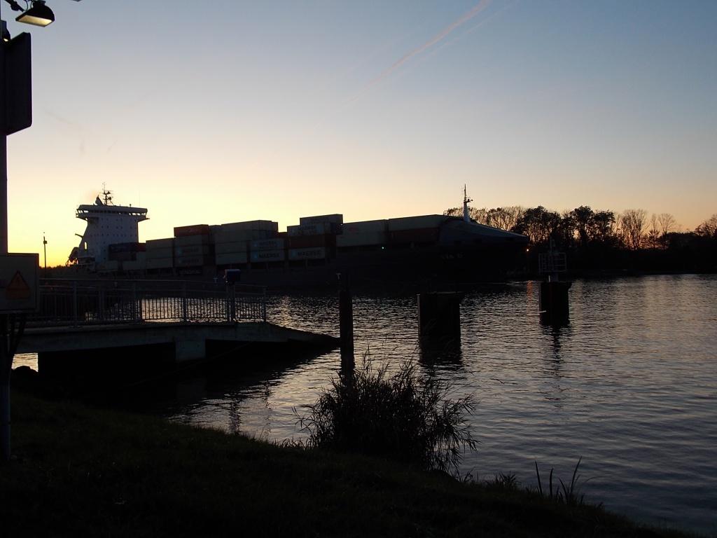 Schiff Containerfrachter