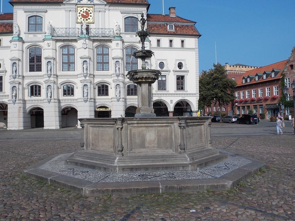 Lüneburg Luna-Brunnen