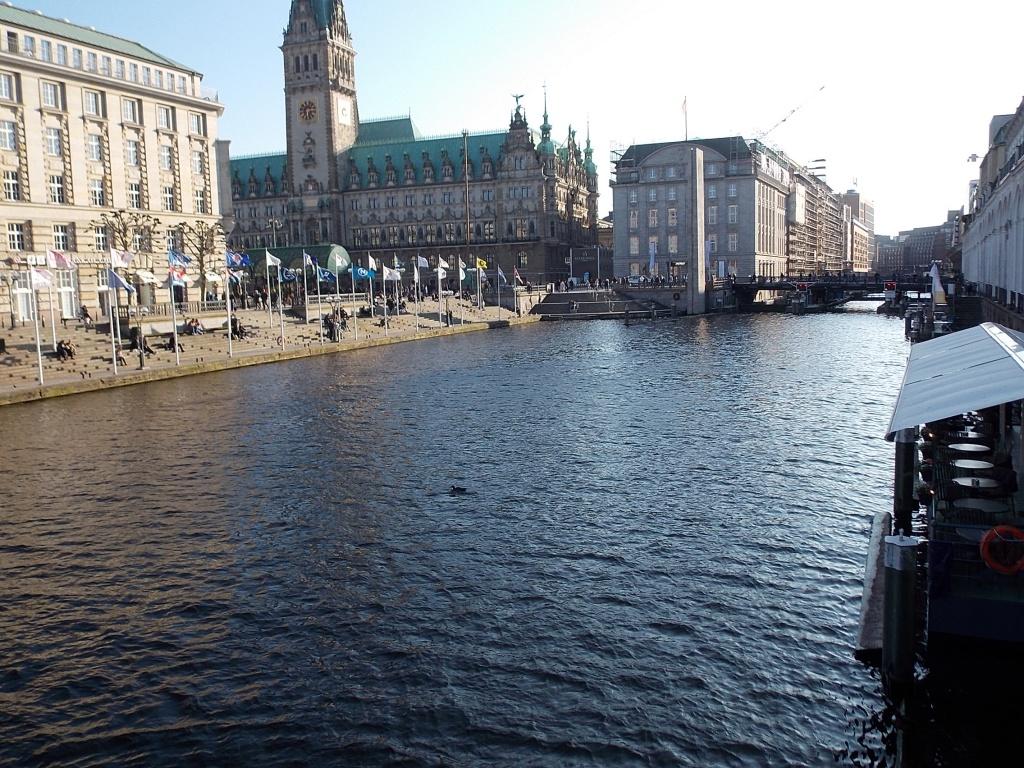Kleine Alster und Rathaus