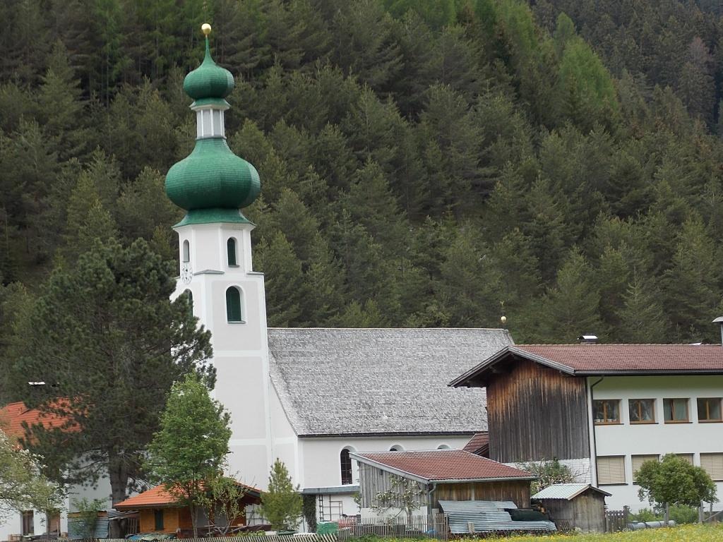 Lech Radweg Kirche Hägerau
