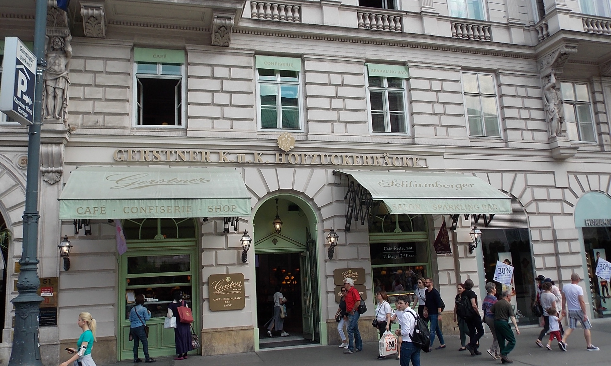 Wien Kaffeehaus Gerstner K. u. K. Hofzuckerbäcker steht für kulinarischen Hochgenuss.