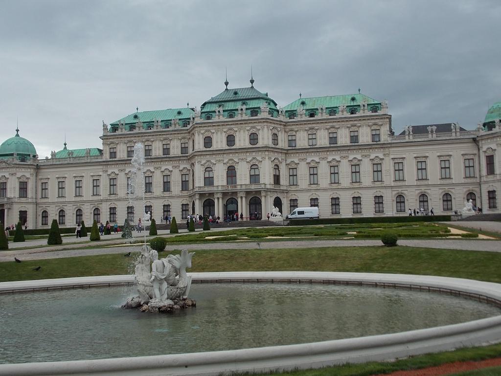 Wien Oberes Belvedere mit Brunnen