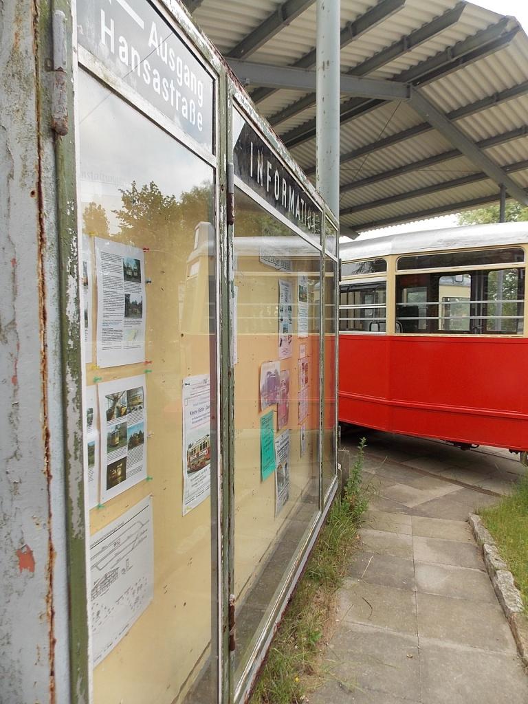 Museumsbahnhof Schönberger Strand Haltestelle mit Hamburger Straßenbahn