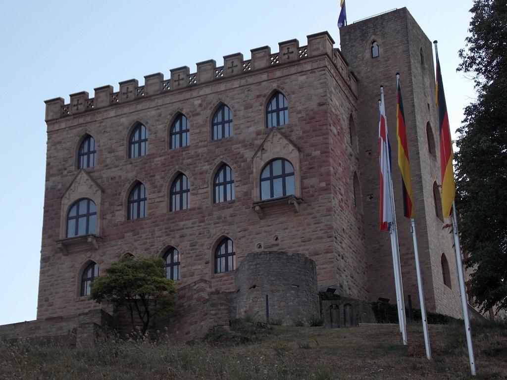 Hambacher Schloss Deutsche Alleenstrasse Etappe 6