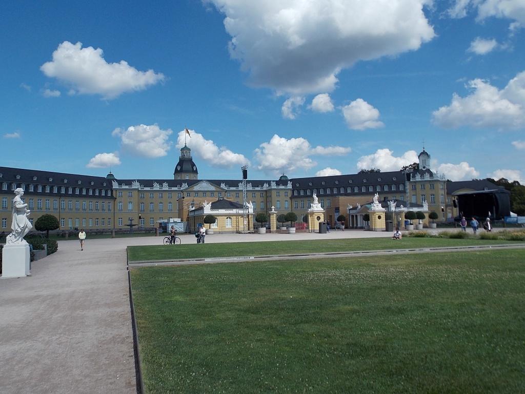 Karlsruhe Schloss Deutsche Alleenstrasse Etappe 6