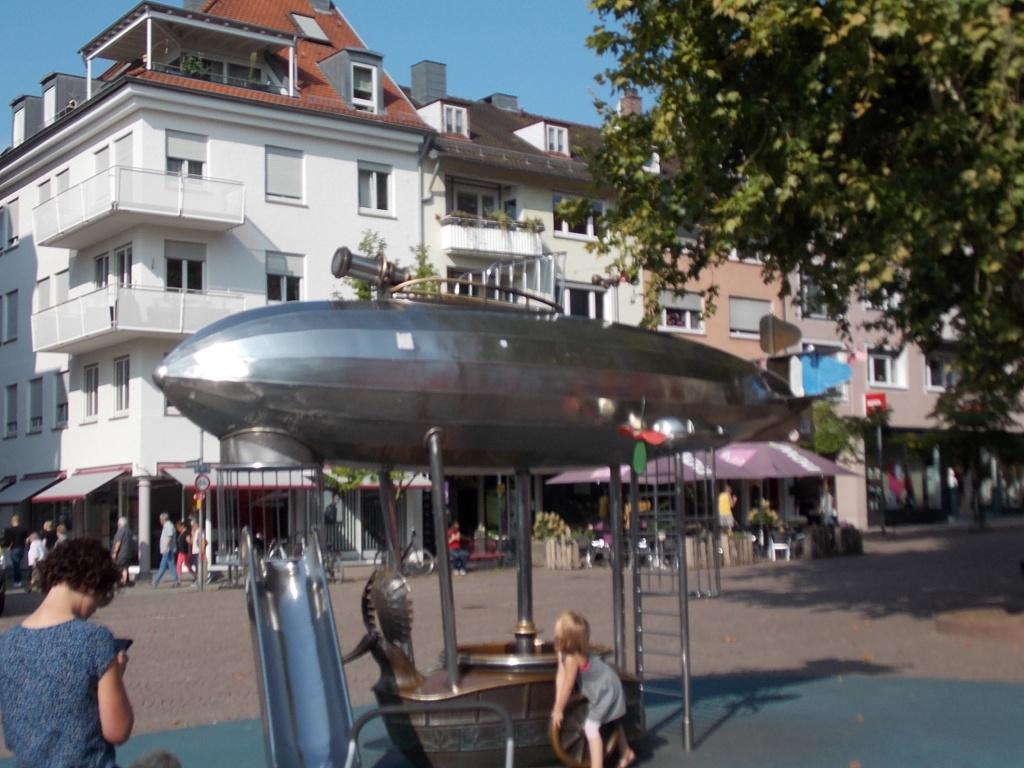 Friedrichshafen K42 Spielgeraet Deutsche Alleenstrasse 7
