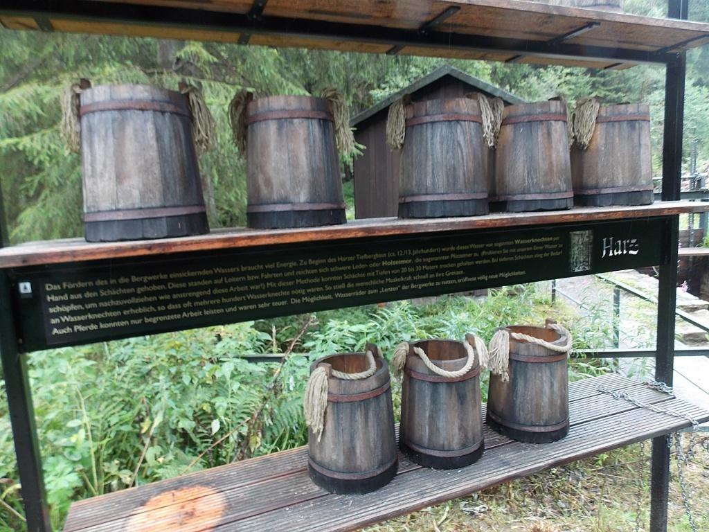 Wasserknecht Holzeimer Harz