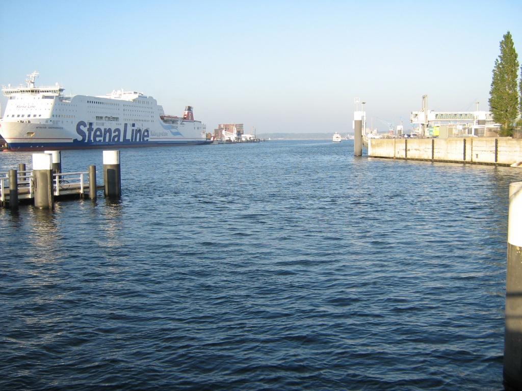 Ausblick von der Hörnbrücke auf die Kieler Förde