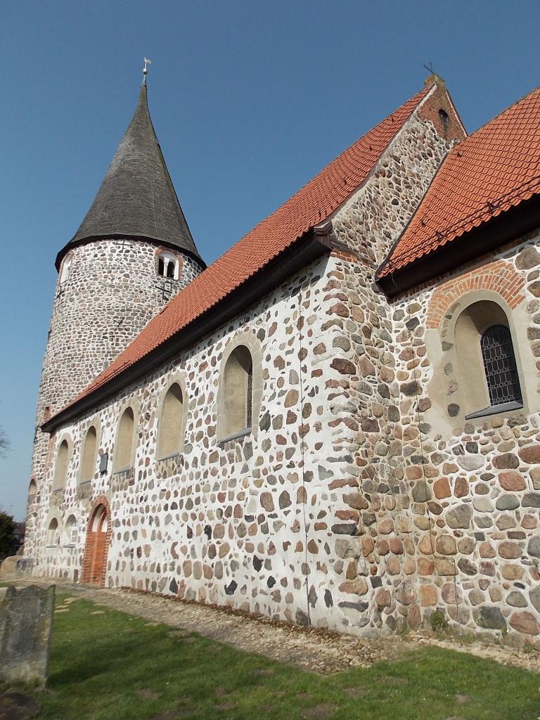 Ratekau Feldsteinkirche