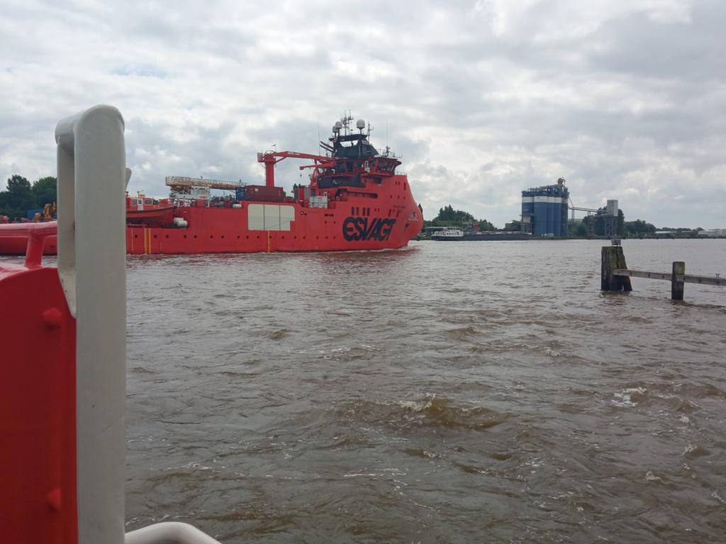 Nord-Ostsee-Kanal Fähre Ostermoor Spezialschiff