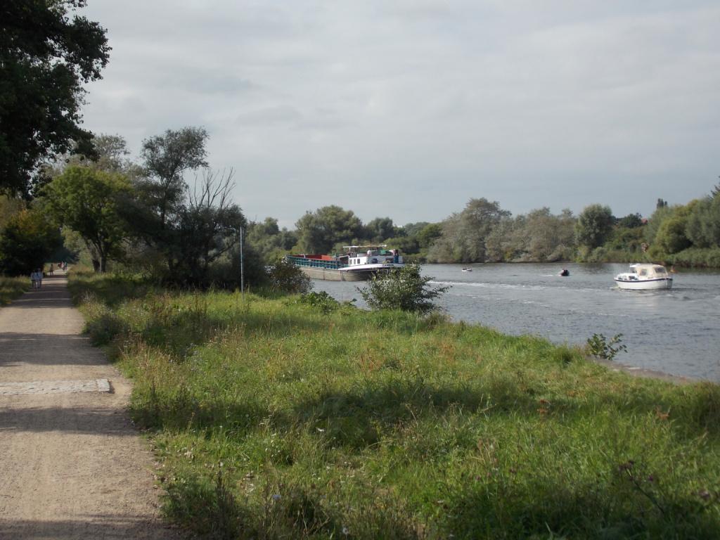 Elbe-Lübeck-Kanal Binnenschiff