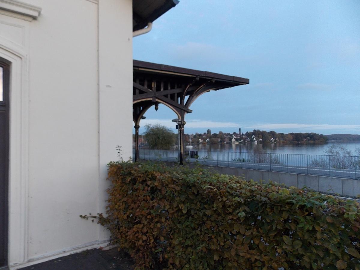 Plön, Bahnhof und See